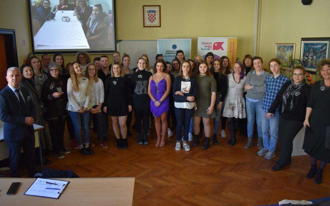 Dva školska volonterska kluba svečano otvorena u Sisku i Hrvatskoj Kostajnici